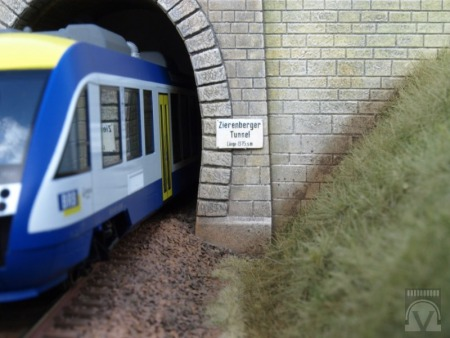Zierenbergtunnel, H0, weißes Material