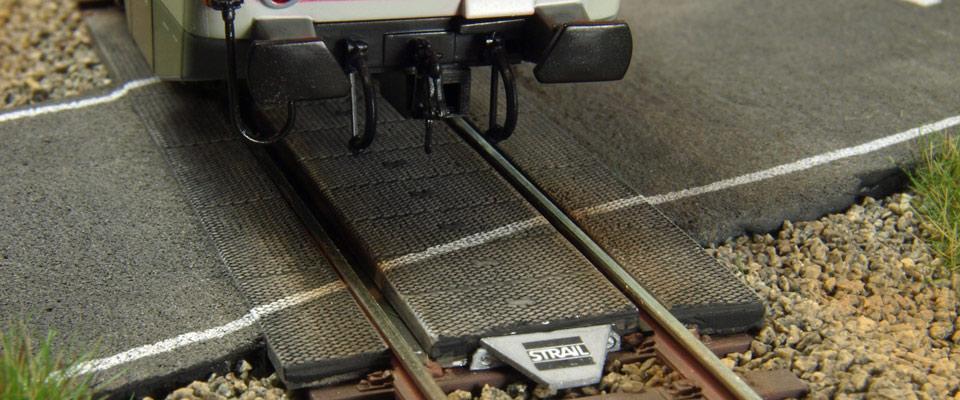 Aktuelle Bahnübergangstechnik von STRAIL